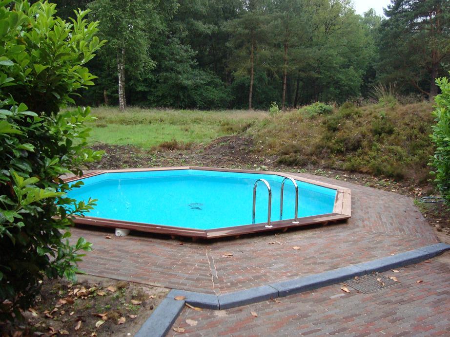 Zwembaden in alle soorten en maten bij cornerstone - Houten strand zwembad ...