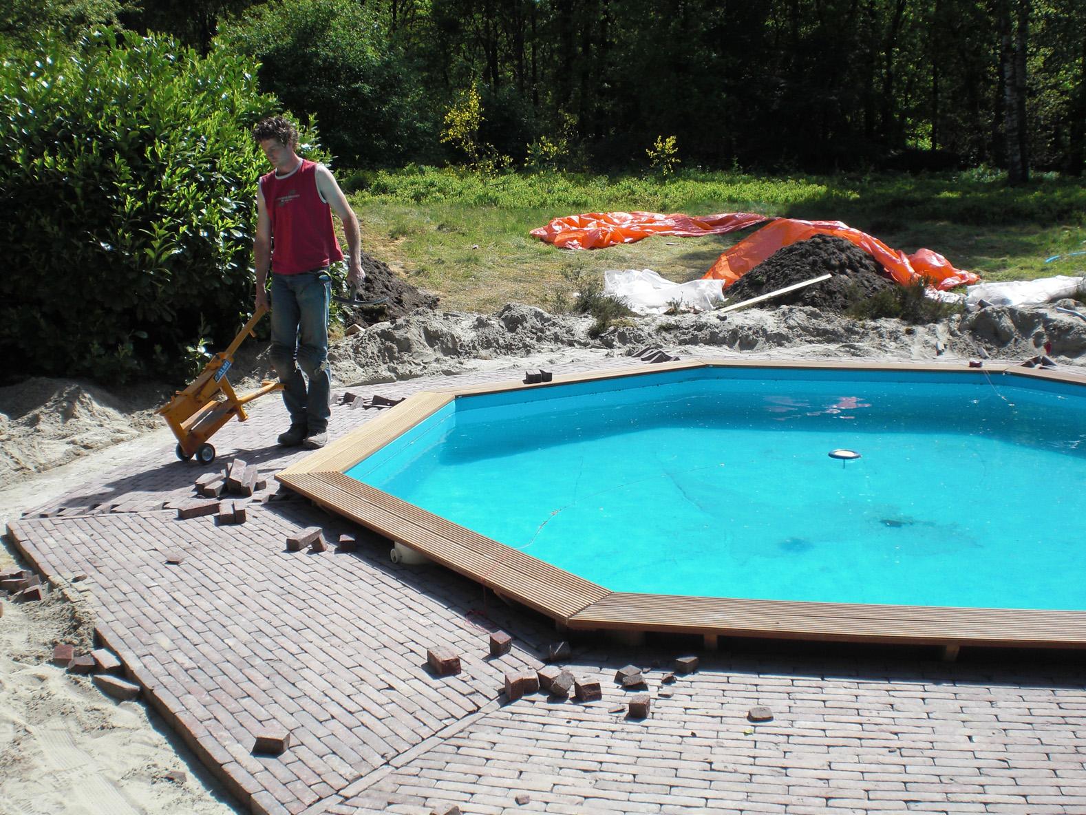 Janse buitenwerken for Zwembad plaatsen in tuin